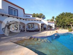 Re-sale - Villa - Javea