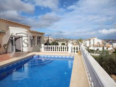 Villa for sale with pool in Benitachell