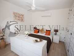 Detached villa with pool for sale in Costa Blanca North